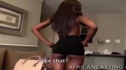 El casting de la africana Lola quien se hace follar su cuerpo todo fino - Vídeo porno hd