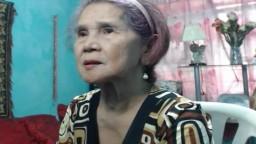 Una abuela de Filipinas se desnuda para una masturbación con un consolador - Vídeo porno hd