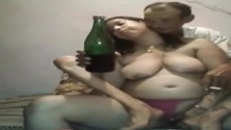Una pareja de marroquíes borrachos