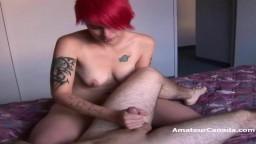 Un punk canadiense masturba la picha de su novio antes de follar
