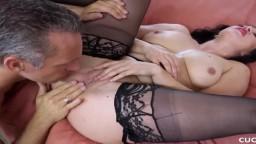 La rumana Lea Lexus se deja coger por otro hombre delante de su marido
