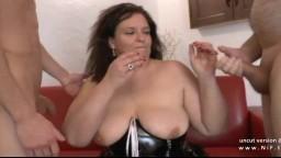 Doble fisting y sodomía para una gorda amateur francesa - Vídeo porno hd