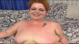La joven y gorda Velma Voodoo es utilizada por un tío para el sexo