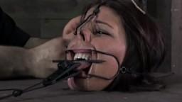 Boca amordazada en una sesión de sumisión
