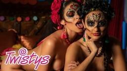 Estas lesbianas mexicanas enmascaradas celebran el Día de los Muertos a su manera